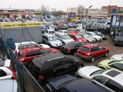 Около трети продающихся в РФ подержанных машин моложе десяти лет