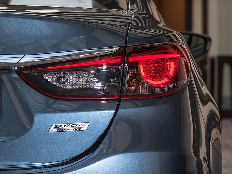 Mazda 6 2016 задний фонарь