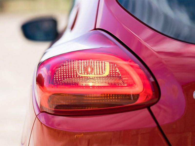 Kia Pro Seed 2015 задний фонарь