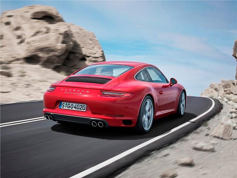 Porsche 911 Carrera S 2016 вид сзади