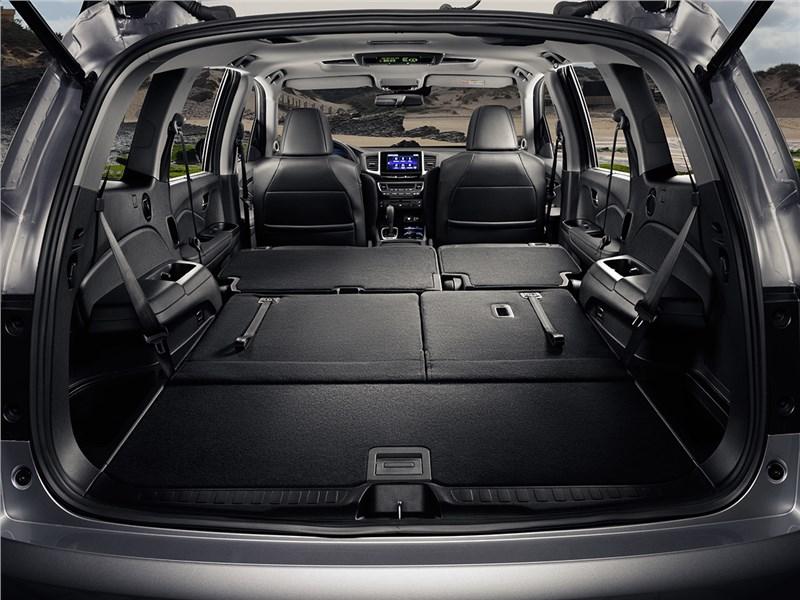 Honda Pilot 2016 багажное отделение