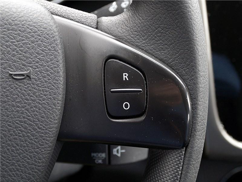 Renault Sandero Stepway 2015 круиз контроль