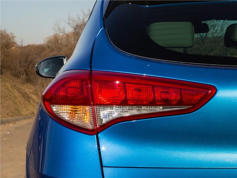 Hyundai Tucson 2016 задний фонарь