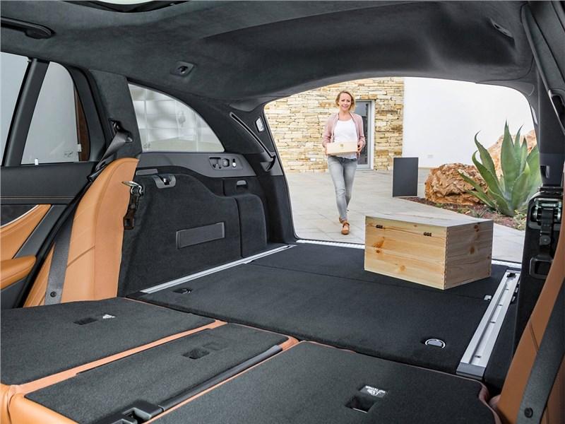 Mercedes-Benz E-Class Estate 2017 багажное отделение