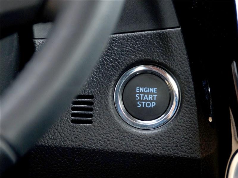 Toyota Corolla 2017 кнопка пуска/остановки двигателя