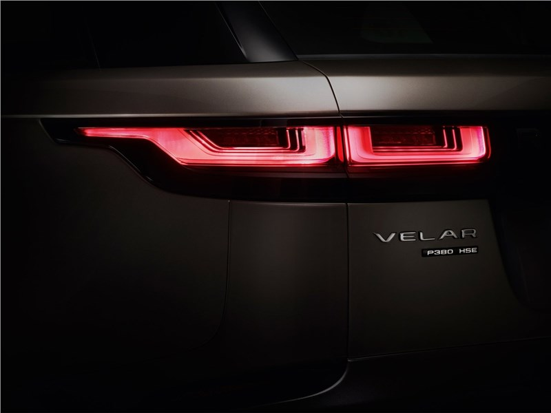 Land Rover Range Rover Velar 2018 задний фонарь