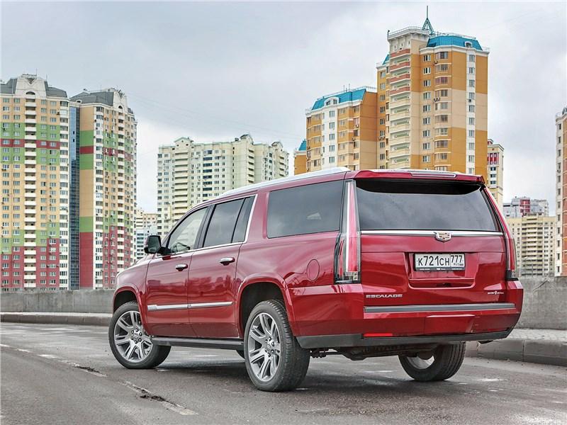Cadillac Escalade ESV 2017 вид сзади