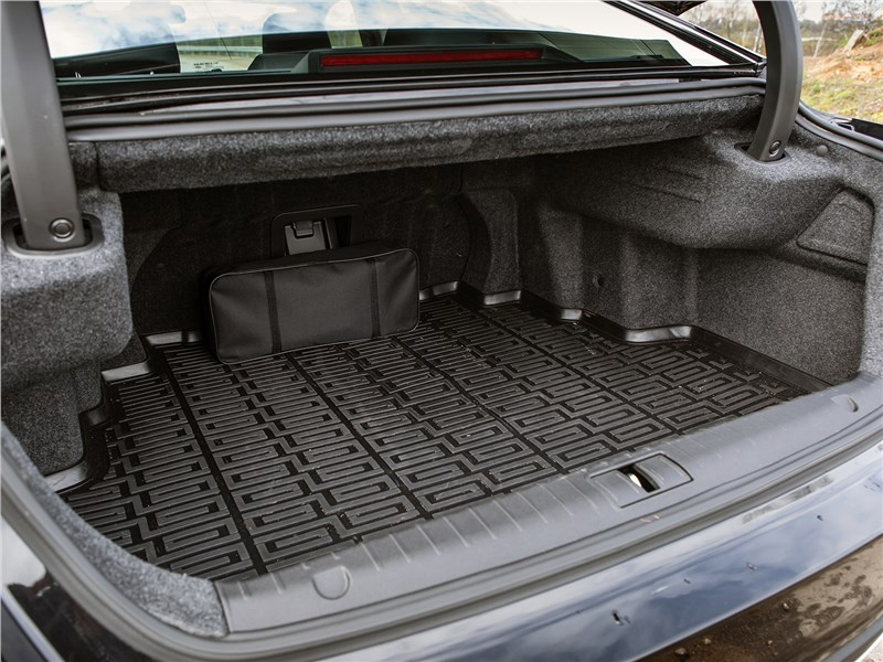 Geely Emgrand GT 2017 багажное отделение
