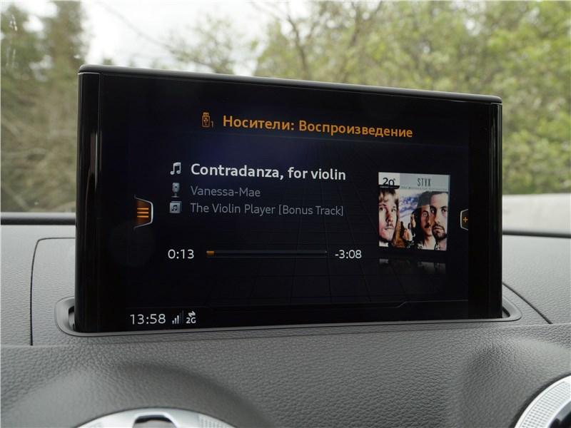 Audi A3 Sedan 2017 монитор