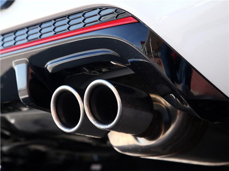Kia Picanto GT Line 2017 выхлопные трубы
