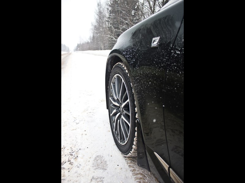 Lexus LS 600h F Sport 2012