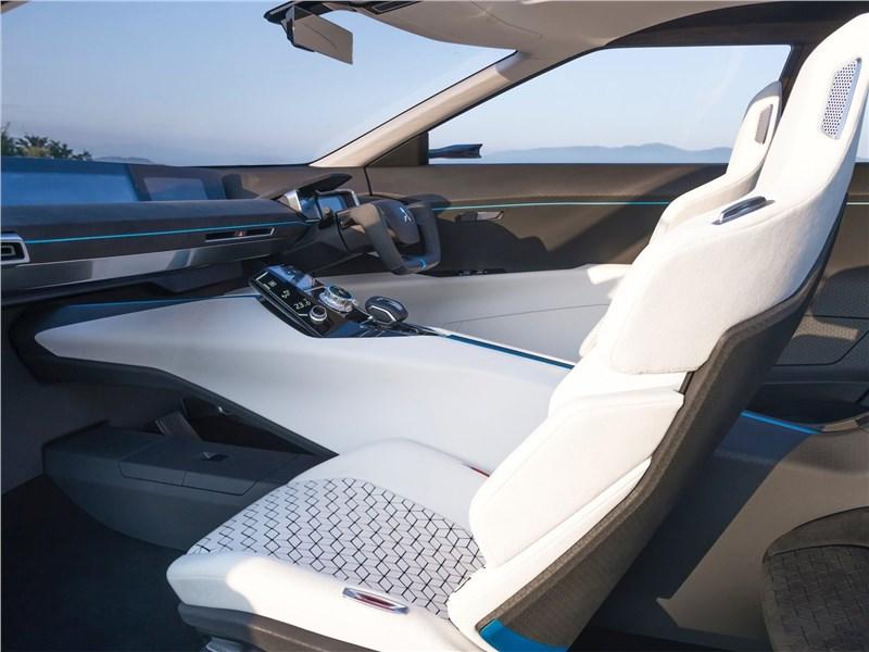 Mitsubishi e-Evolution Concept 2017 кресла