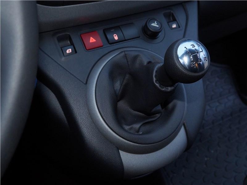 Peugeot Partner Tepee 2016 5МКПП