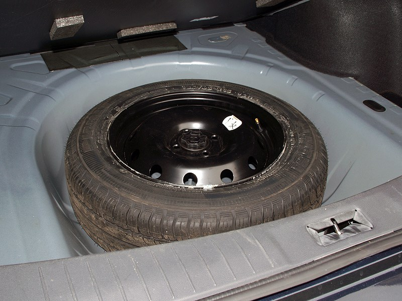 Nissan Almera 2013 запасное колесо
