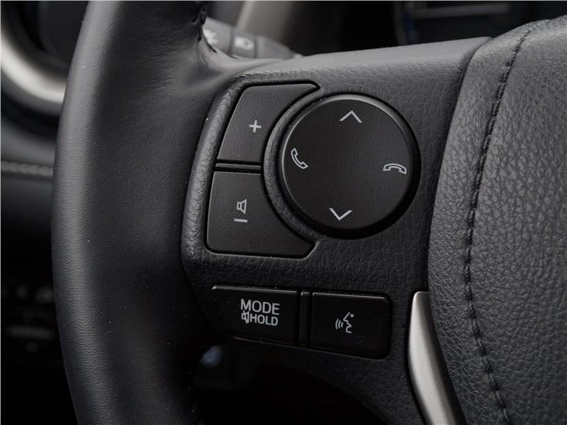 Toyota RAV4 2016 руль