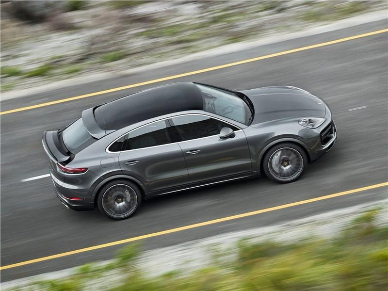 Porsche Cayenne Coupe 2020 вид сверху