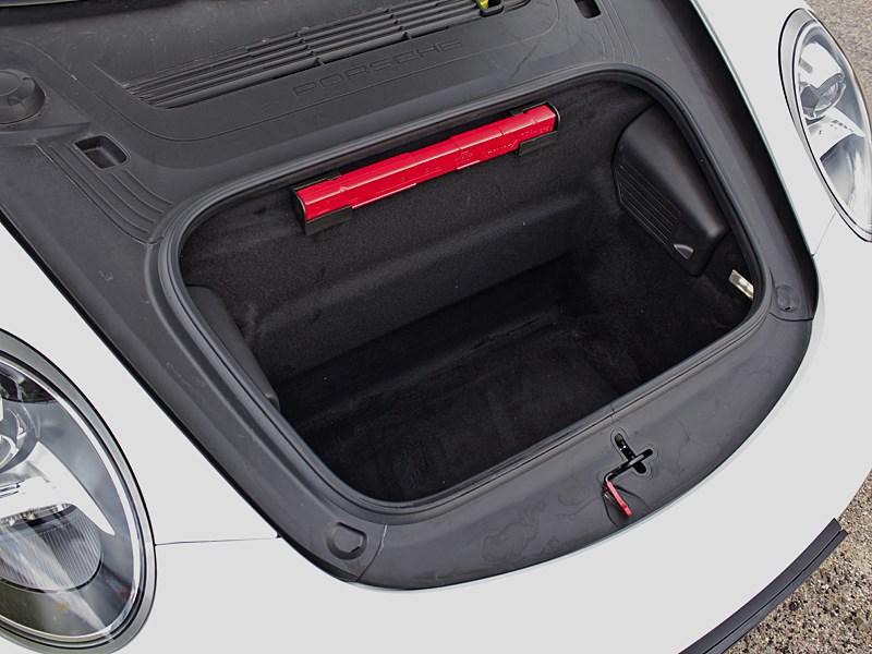 Porsche 911 Carrera 4S 2012 передний багажник