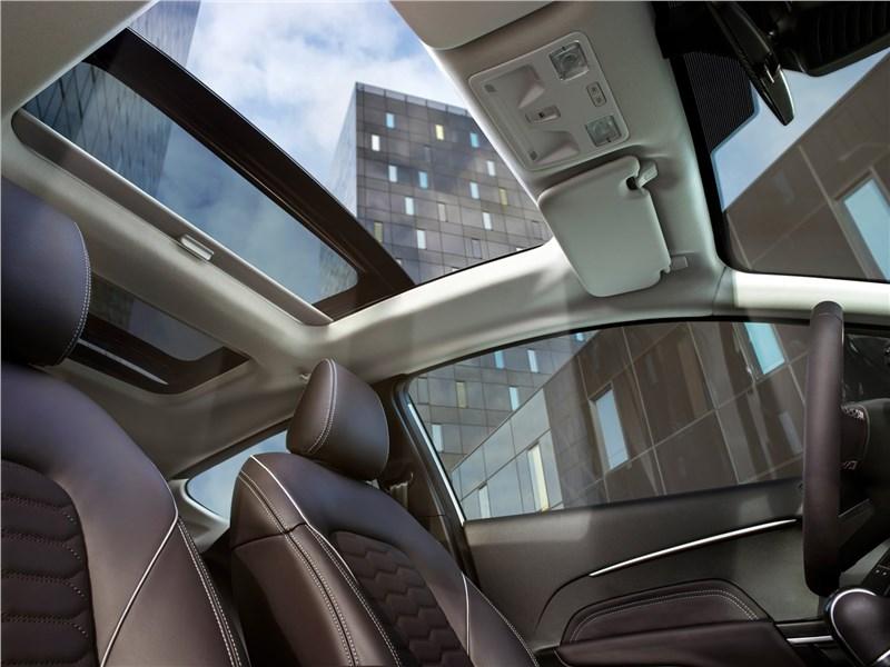 Ford Fiesta 2017 панорамная крыша