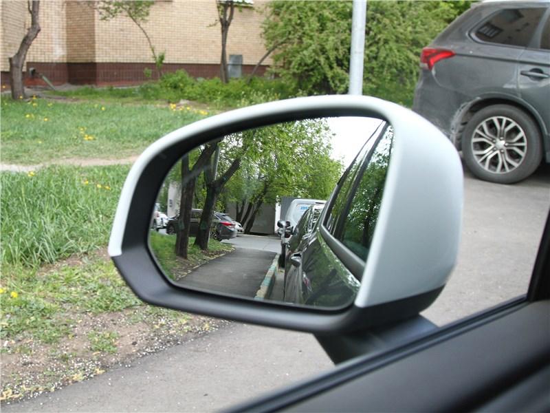 Volvo XC40 2018 боковое зеркало