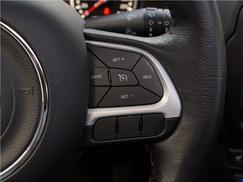 Jeep Renegade 2019 руль