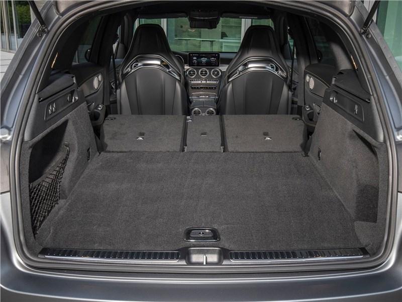 Mercedes-Benz GLC63 S AMG 2020 багажное отделение
