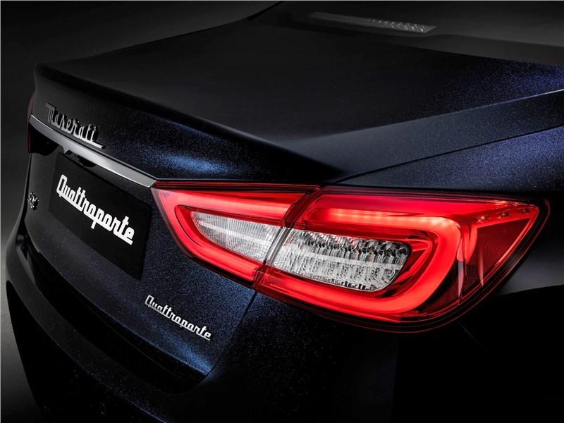 Maserati Quattroporte 2019 задний фонарь