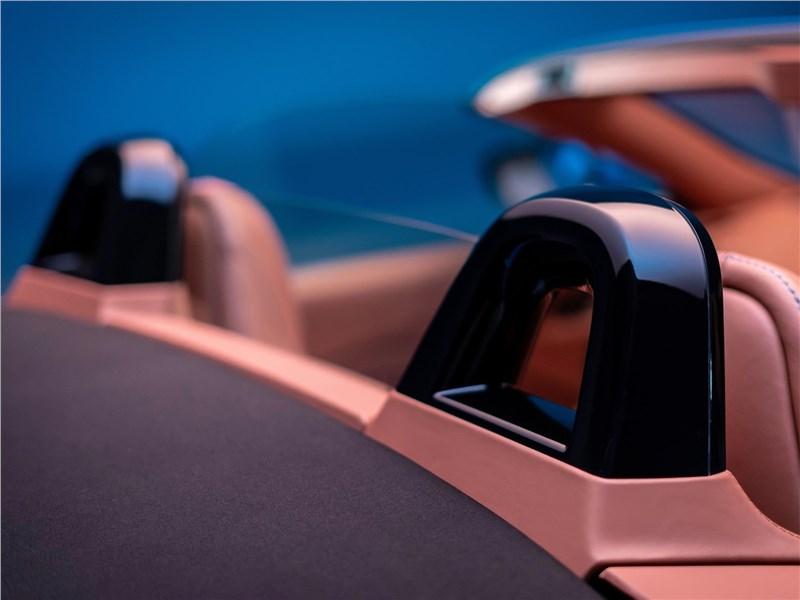 Aston Martin Vantage Roadster 2021 подголовники