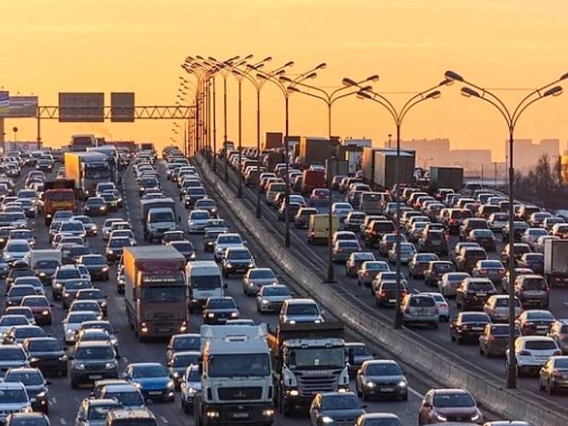 Власти Москвы назвали самые популярные магистрали у дачников
