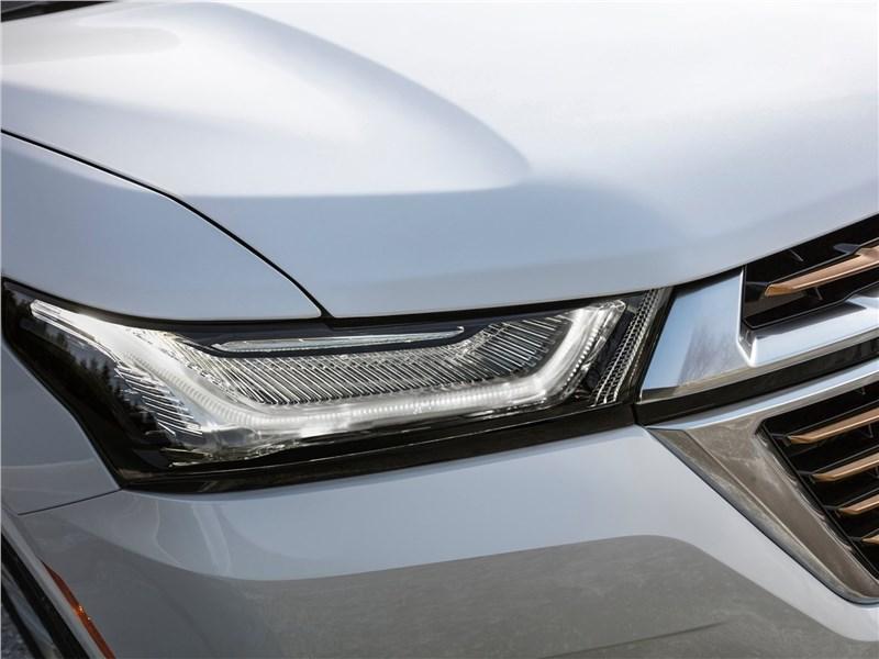 Chevrolet Traverse (2021) передняя фара