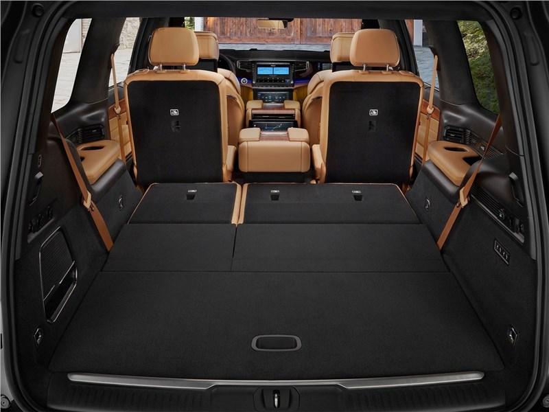 Jeep Grand Wagoneer (2022) багажное отделение
