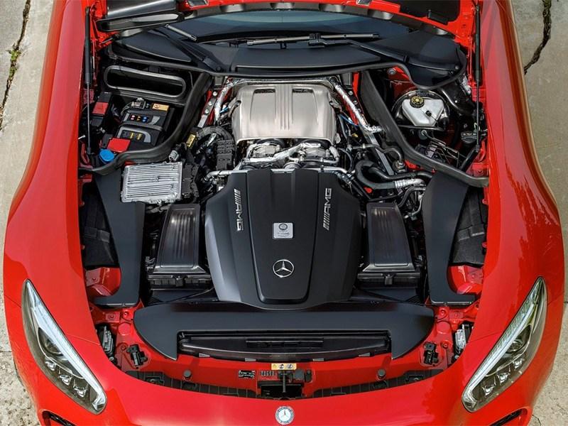Mercedes-AMG GT 2015 двигатель