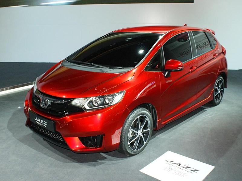 Высокая крыша (Honda Jazz, Mercedes-Benz A-Klasse, Peugeot 1007, Mitsubishi Colt, Renault Modus) Jazz