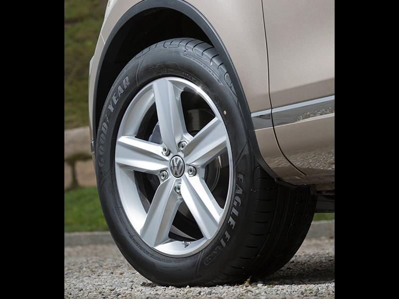 Volkswagen Touareg 2014 колесо