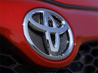 Toyota снова обогнала конкурентов по количеству проданных машин