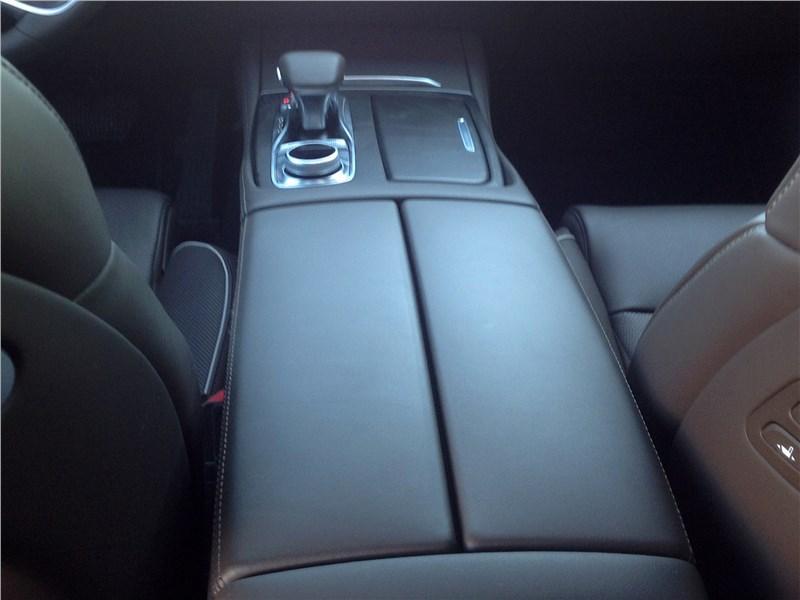 Kia K900 2019 подлокотники