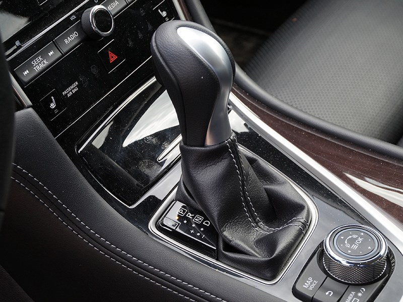 Infiniti Q50S Hybrid 2013 7АКПП