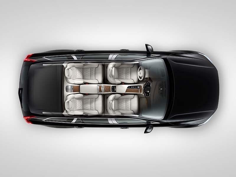 Volvo привезла в Россию роскошный вариант XC90