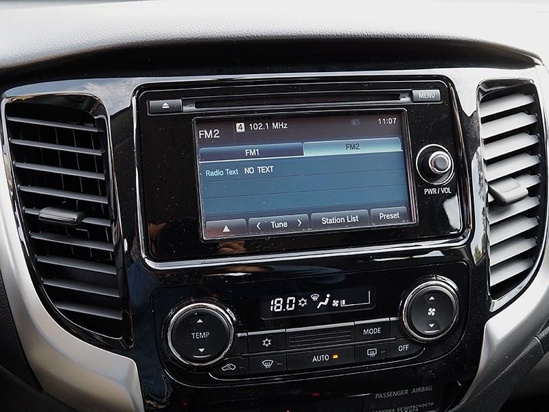 Mitsubishi L200 2015 мультимедиасистема