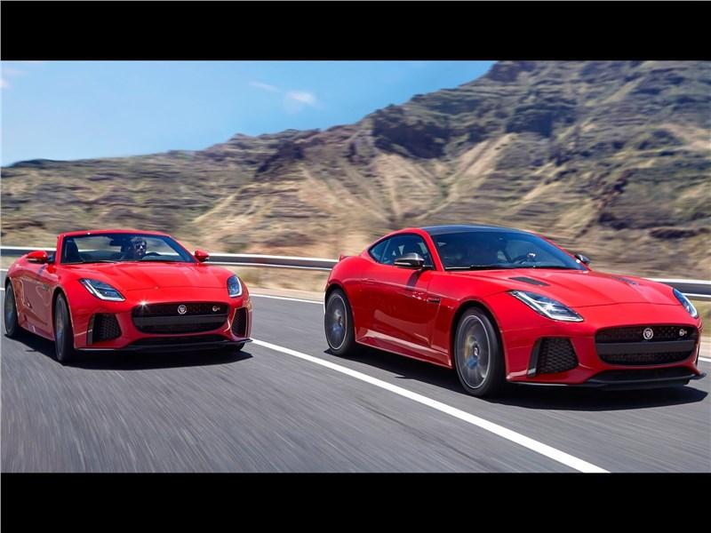 Jaguar F-Type 2018 на дороге