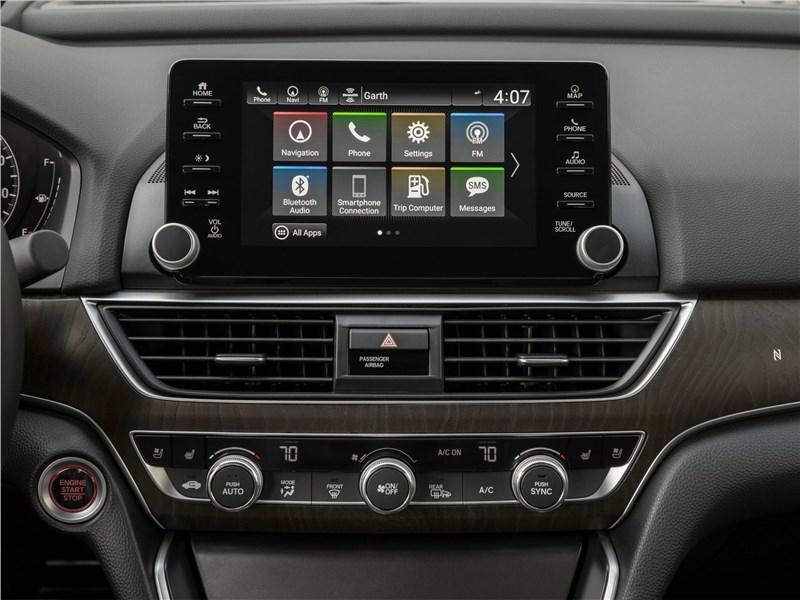 Honda Accord 2018 центральная консоль