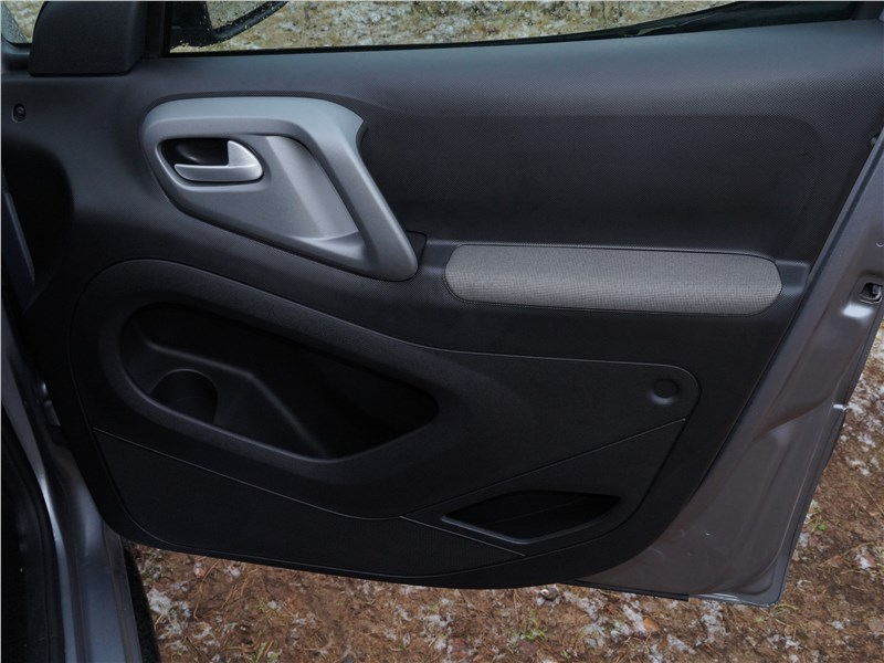 Peugeot Partner Tepee 2016 дверь