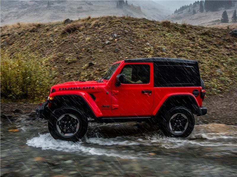 Jeep Wrangler 2018 вид сбоку