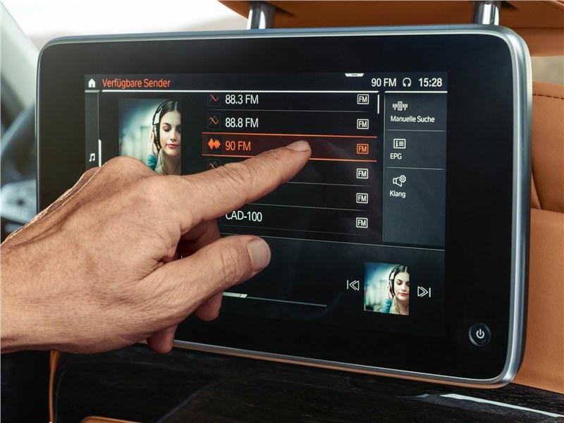 BMW 7-Series 2019 монитор для пассажира