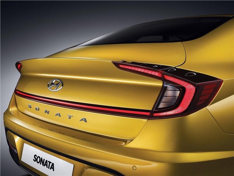 Hyundai Sonata 2020 вид сзади