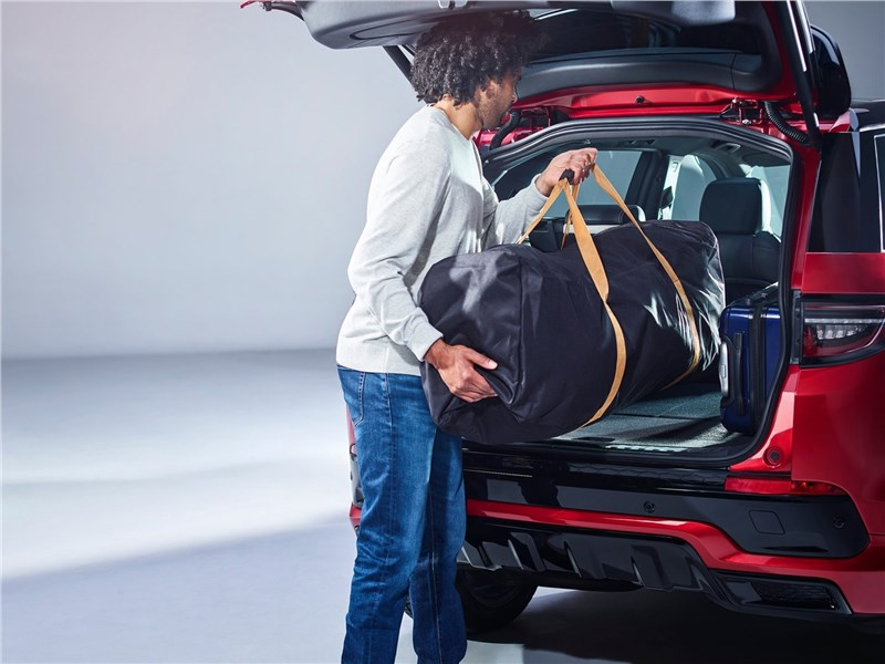 Land Rover Discovery Sport 2020 багажное отделение