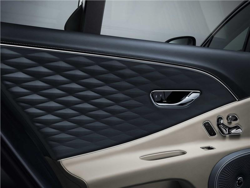 Bentley Flying Spur 2020 отделка двери