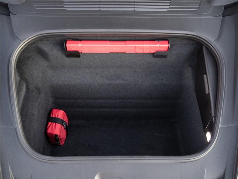 Porsche 911 Carrera 2019 багажное отделение