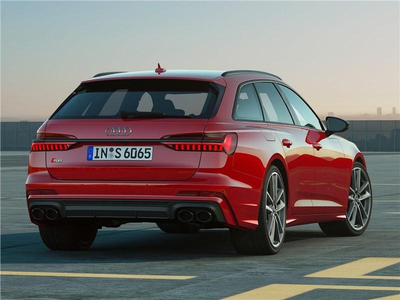 Audi S6 Avant TDI 2020 вид сзади
