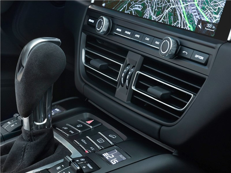 Porsche Macan 2019 центральная консоль