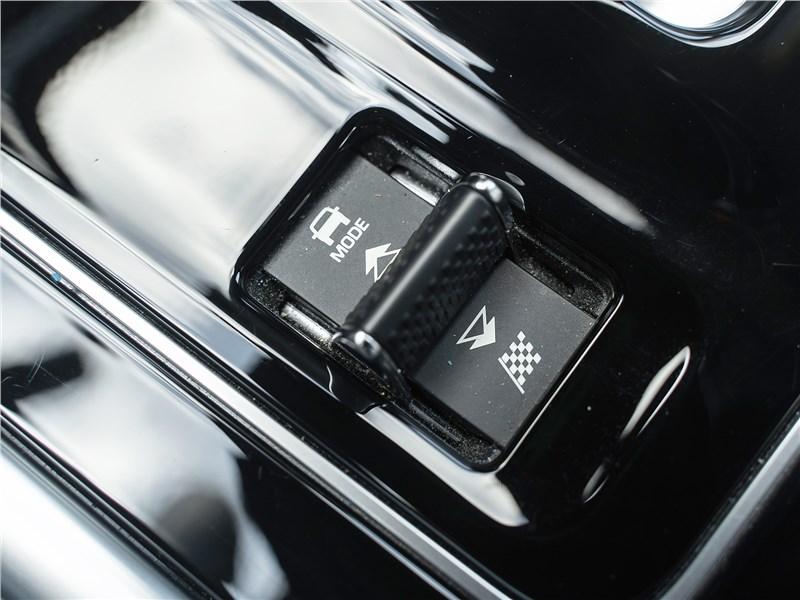 Jaguar XE P250 2020 выбор режимов движения